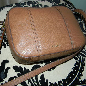 NEW! FOSSIL GEMMA BROWN CAMERA CROSSBODY BAG!